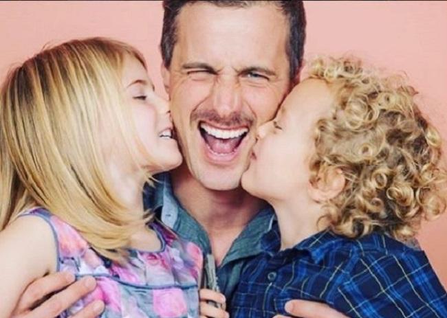 Brendan Penny con sus hijos