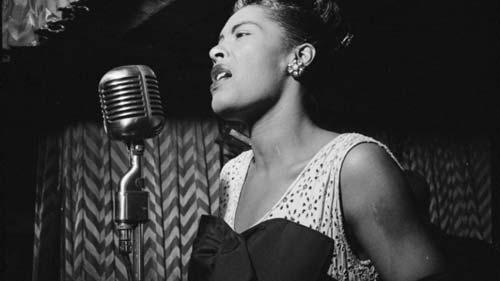 Billie Holiday actuando