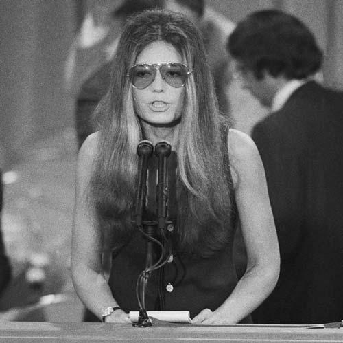 Gloria Steinem joven