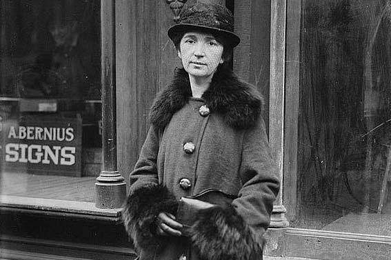 Margaret Sanger en la calle