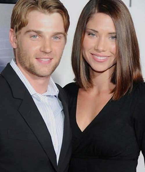 Mike Vogel y Courtney